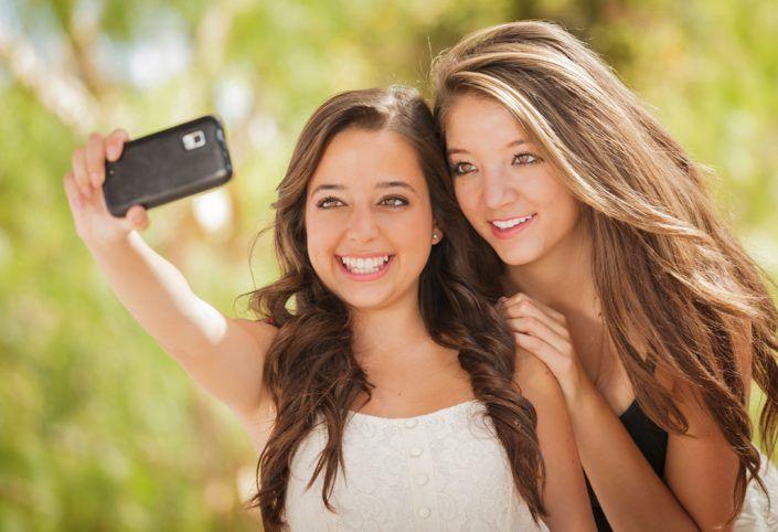 Warum Narzissten ihre eigenen Selfies nicht ausstehen