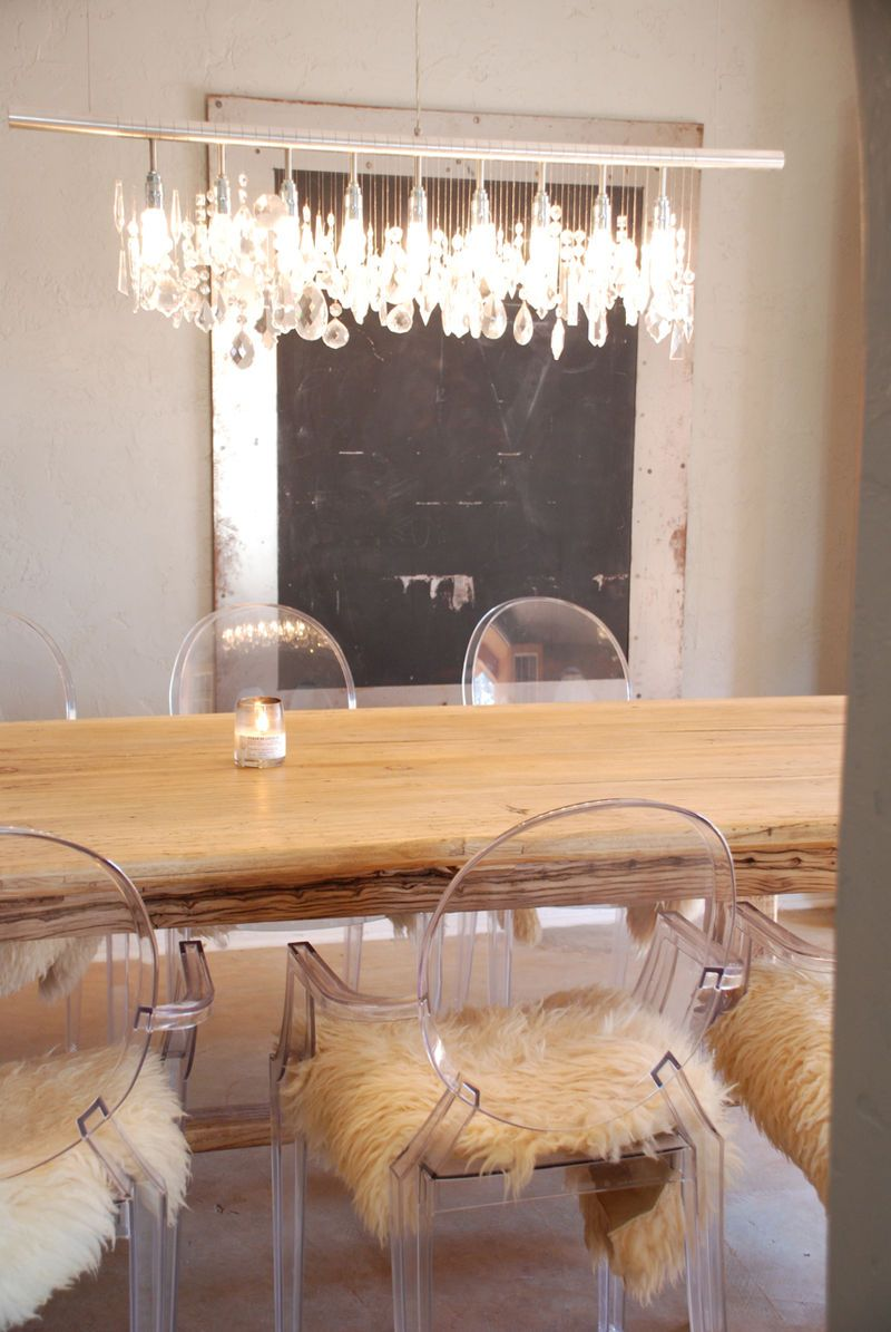 L - love these crystals dangling from rod above the table. So pretty ...