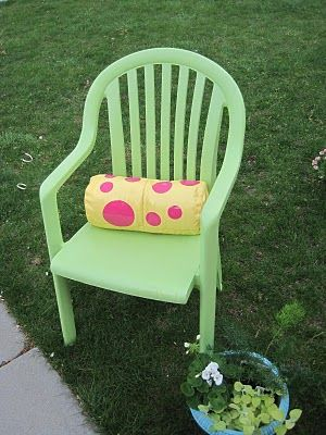 spray paint your outdoor chairs with plastic primer look brand new