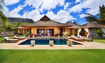 Astonishing Lahaina Hi This Balinese Style Home Is Replete With Home Interior And Landscaping Ologienasavecom