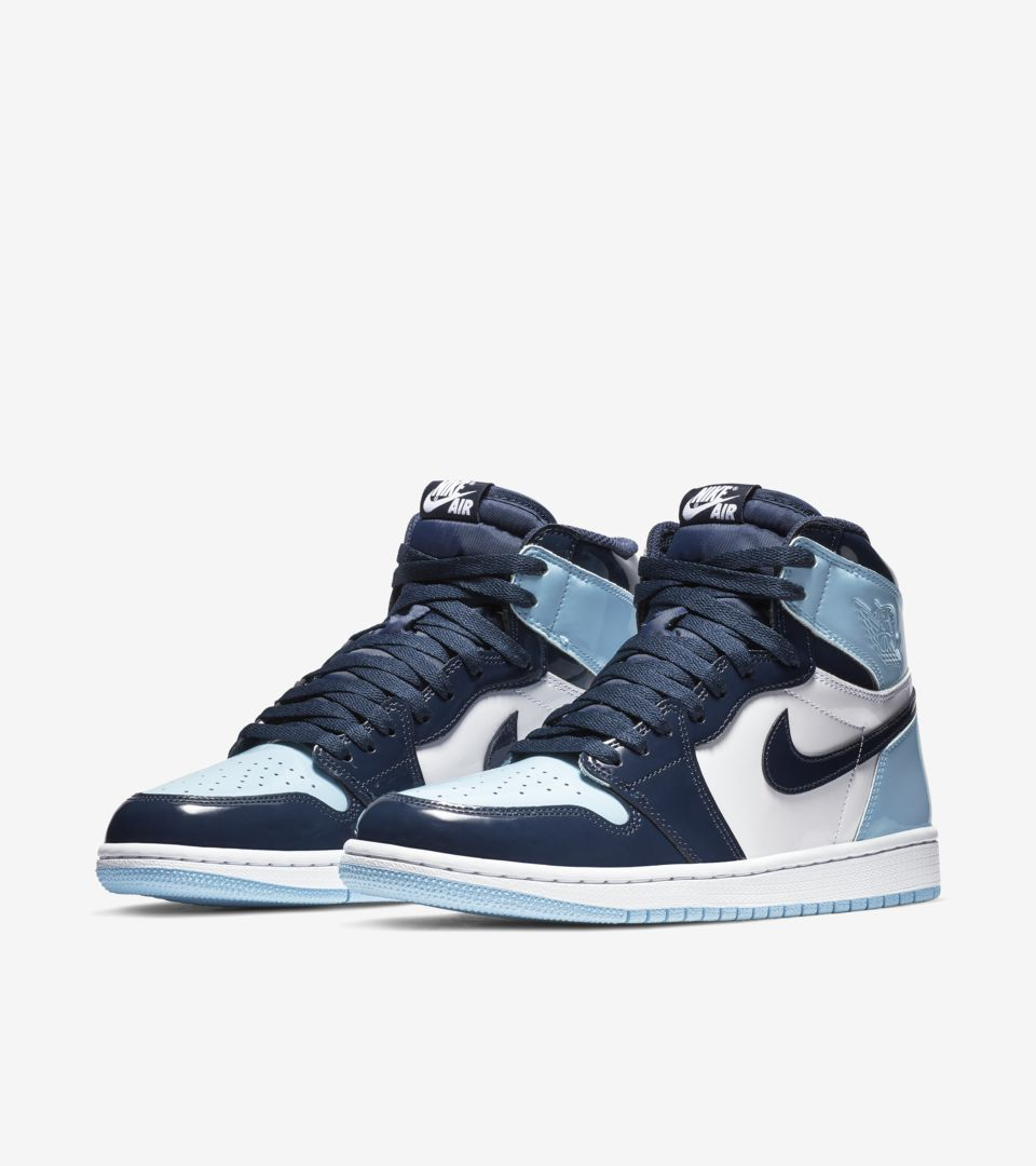 Women S Air Jordan I 1 Retro High Blue Chill Obsidian White