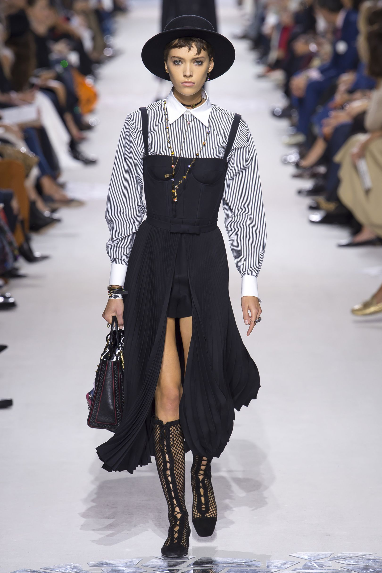 3a0523cd45dde Christian Dior Spring Summer 2018 Ready-To-Wear Collection