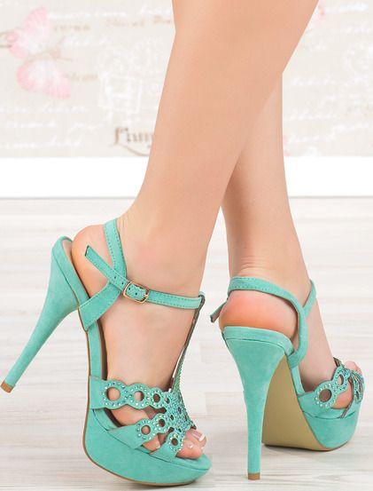 pe culoarea alb | Sandale, Pantofi și Culoare