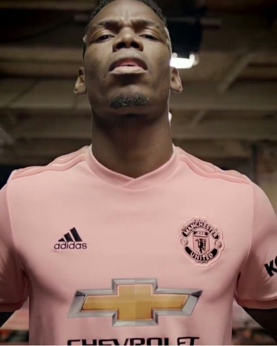 more photos 5af6e fe7d7 Paul Pogba in the new pink away kit😍 #ManchesterUnited ...