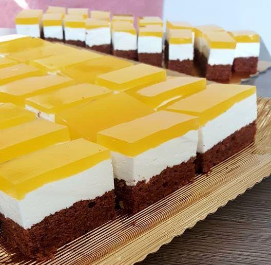 Reteta Originala De Prajitura Fanta Cu Branza Dulce Si Budinca De Vanilie O Am Din Caietul De Retete Al Mamei Este O Prajitura De Dessert Drinks Desserts Food
