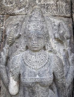 Natham Temple Sculptural Marvel (Kanchipuram - Tamil Nadu) #travelblog #indiatravel #photoblog #sculpture #indianart