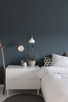 schlafzimmer blau graue wand living. Black Bedroom Furniture Sets. Home Design Ideas