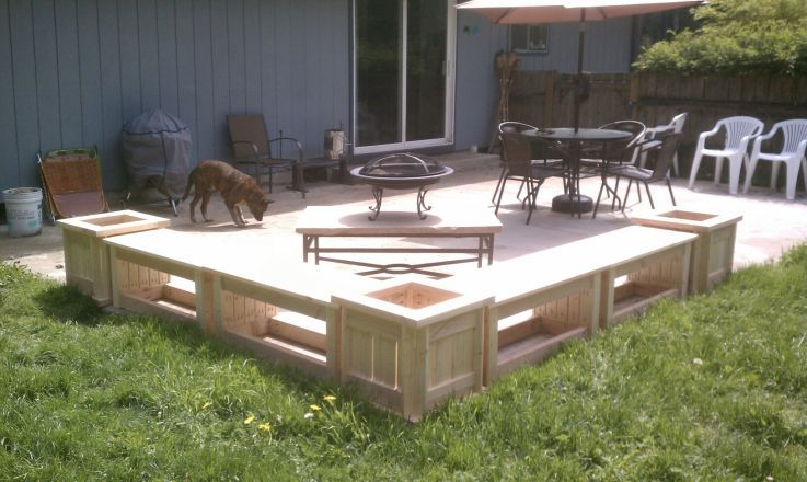 Patio Benches... Throw Some Tops On Those Planters And Turn Them Into  Corner Tables.