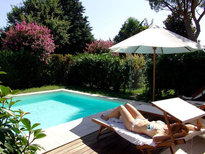 la piscina B&B il Casale San Giovanni in Marignano