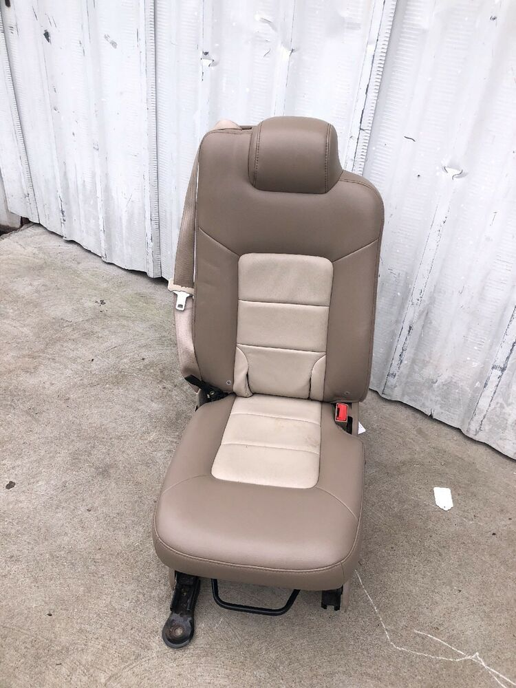 03 13 Ford Expedition Lincoln Navigator 2nd Row Middle Center Jump
