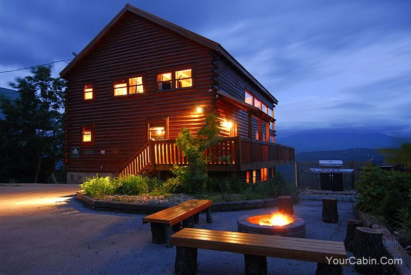 LeConte Overlook - This cabin has a beautiful outdoor fire pit ...