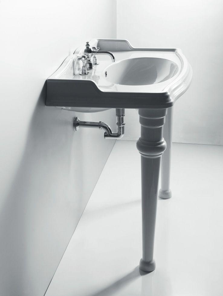 Old English Sanitair.Klassiek Sanitair Wastafel Met Poten Klassieke Badkamer Bathtub