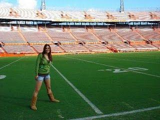 Orange Bowl University Of Miami I Had The Chance To Visit The U Stadium In December Of 2007 Right Before Mia University Of Miami Football Field Travel Fun