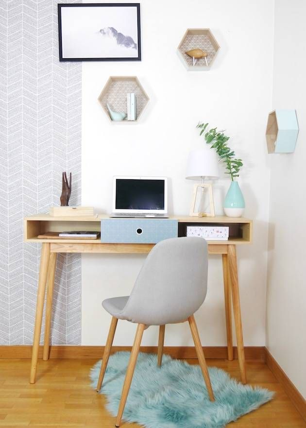 pour amenager un coin bureau scandinave dans un studio pensez a choisir des meubles peu encombrant ou a double emploi comme cette console