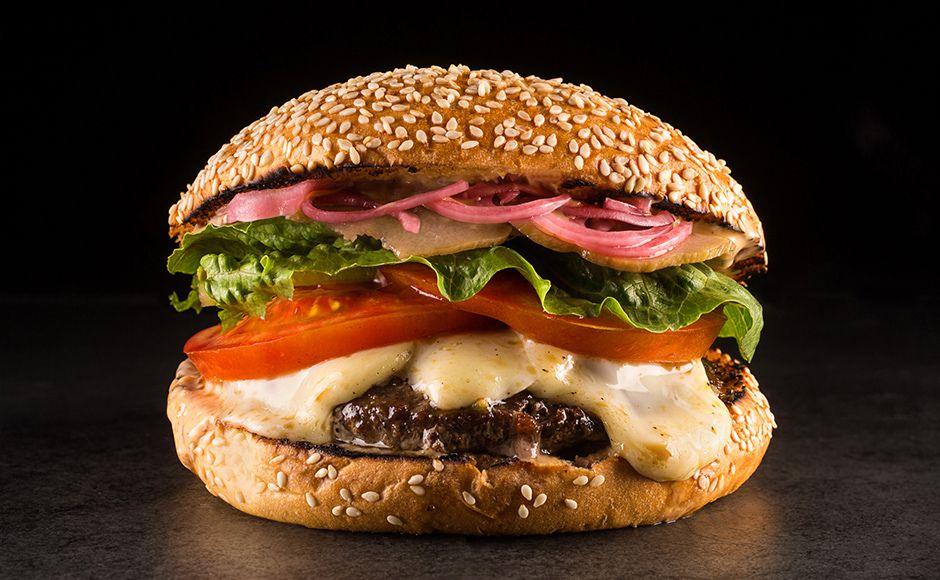 Reserva TT Burger aposta em mandioca - http://superchefs.com.br/reserva-tt-burger-aposta-em-mandioca/ - #Burger, #DiasDasBruxas, #Hallowen, #Mandioca, #Noticias, #ReservaTTBurger