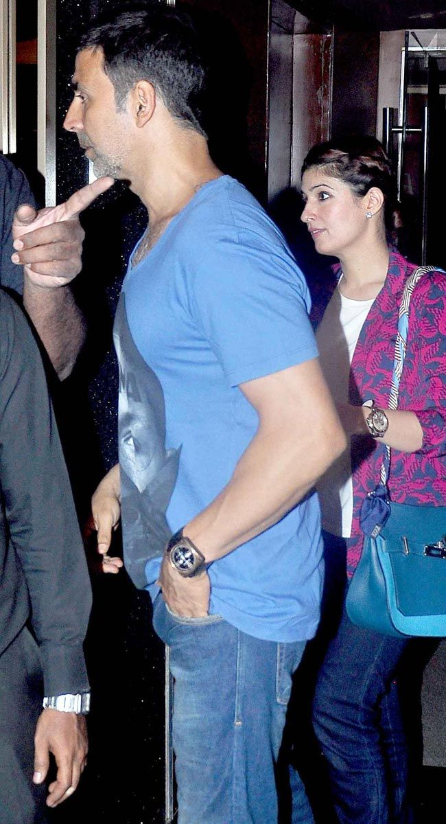 Akshay Kumar And Twinkle Khanna At Pvr Juhu Bollywood Fashion