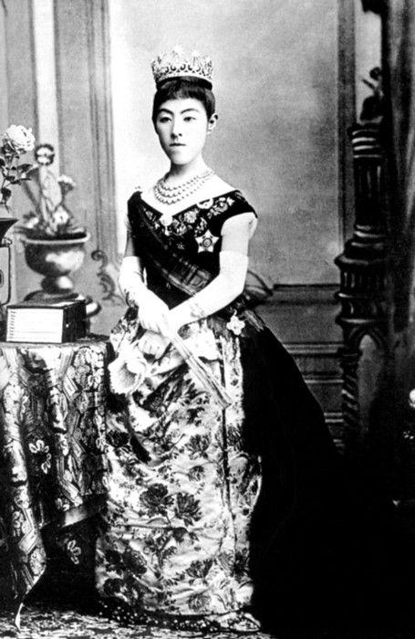 昭憲(しょうけん)皇太后 明治天皇妃 Empress Shōken of Japan ...
