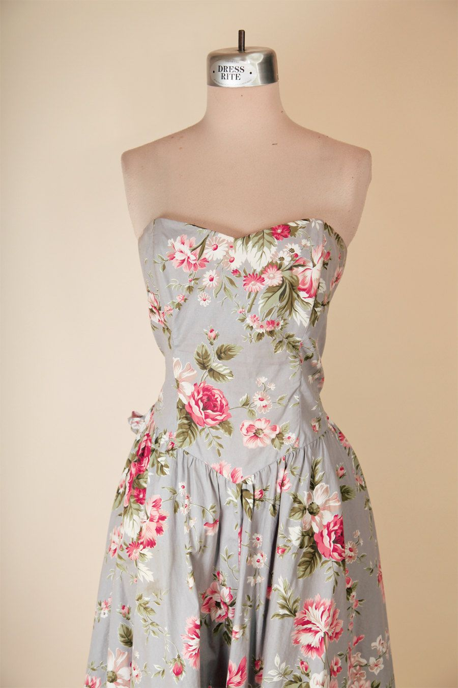 729946a675f Vintage 1980 s Cabbage Rose Floral Sweetheart Neckline Strapless Sun Dress  - pinned by pin4etsy.com