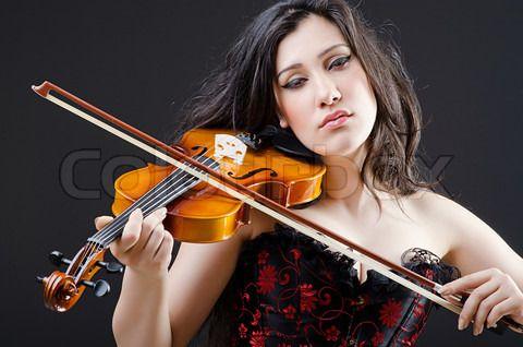 female violinist - Google Search | Violin players ...