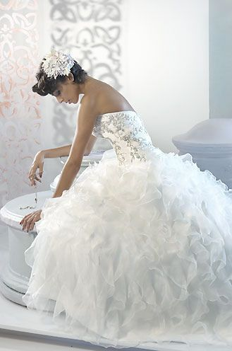 Beautiful Wedding Dresses with Ruffles