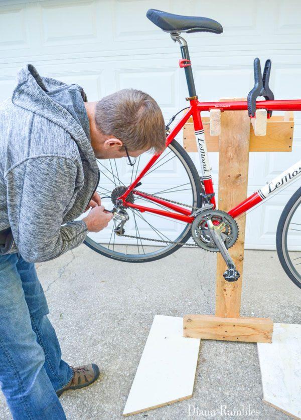 Diy Bicycle Repair Stand From Scrap Wood Stojak Do Naprawiania Rowerow Bike Repair Bike Repair Stand Bike Restoration