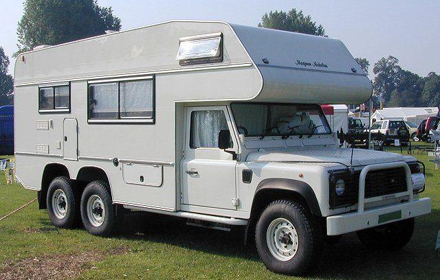 land rover camping the cruise crosser vu de l 39 arri re. Black Bedroom Furniture Sets. Home Design Ideas