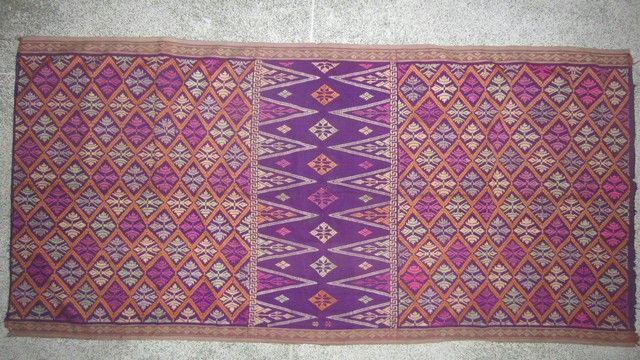 Vintage Balinese textile:   supplementary weft saput.   www.kulukgallery.com
