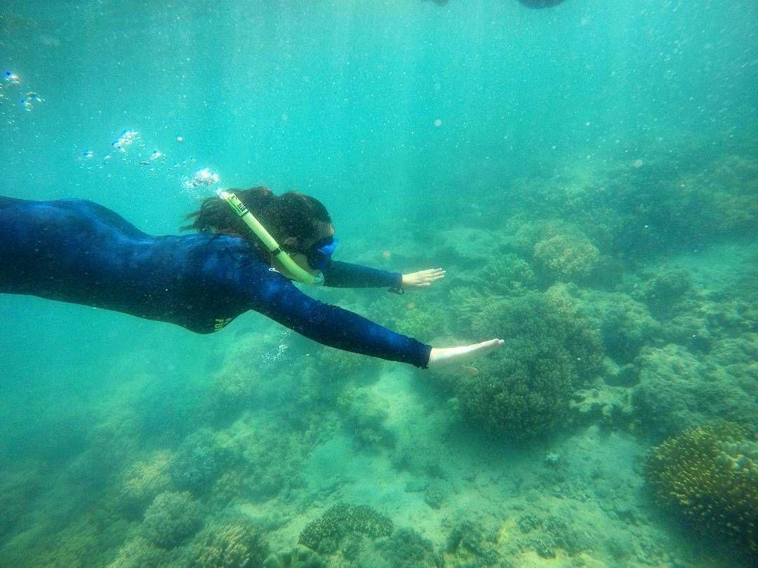 Water isn't my element  #australia #greatbarrierreef #reef #snorkling #diving #sea #nichtsobuntwieerhofft #nofish #noturtle by mlneia http://ift.tt/1UokkV2