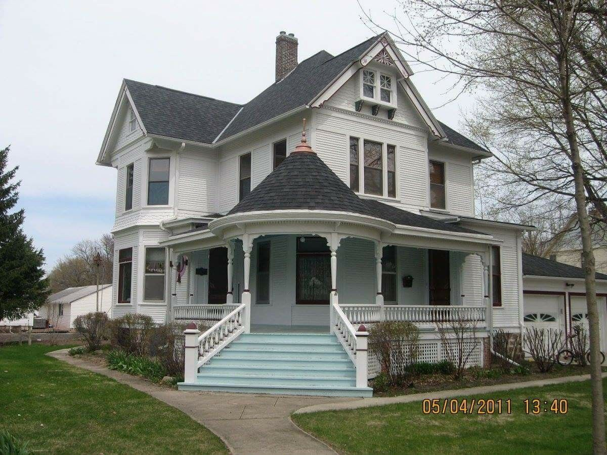 Victorian Homes Image By Maria Urias Porch House Plans Country Style House Plans House Styles