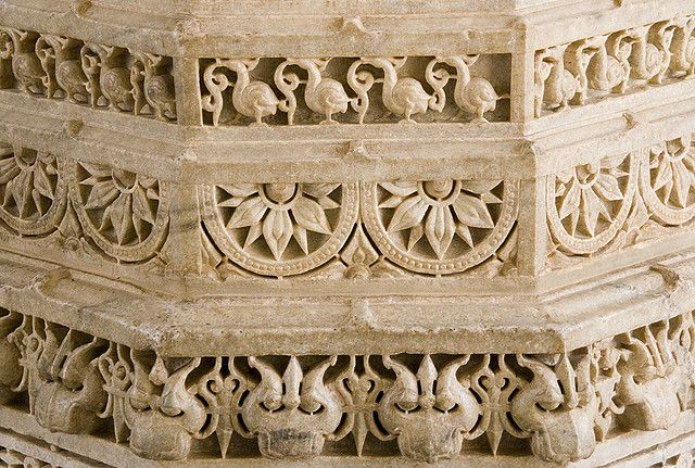 Pillar decoration in 2020 indian architecture - Decorative stones online india ...