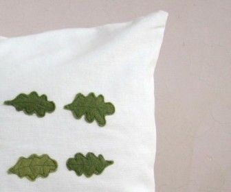 ... to make Felt Applique Cushion DIY step by step tutorial instruction ... Isn't this lovely? See more awesome stuff at http://craftorganizer.org