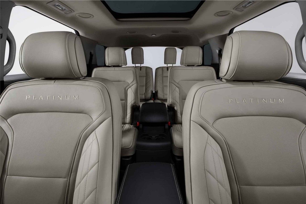 The Explorer Can Carry Up To Seven Passengers The Second Row Features A 60 40 Split Fold Flat Bench An Ford Explorer 2020 Ford Explorer Ford Explorer Interior