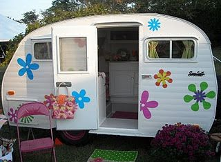 The Pink Rose Cottage Sisters On Fly At Country Living Fair Vintage Trailer Glamping Camping
