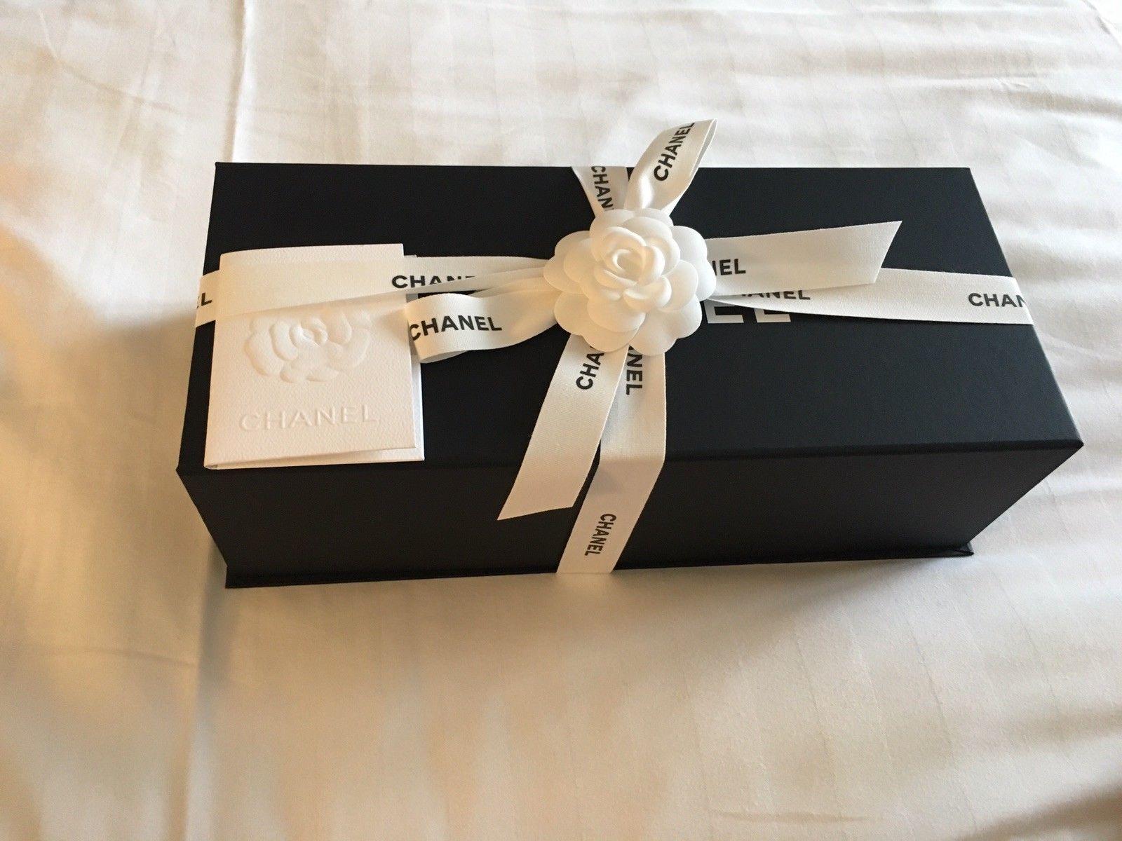 B chanel classic mini flap bag in caviar with silver hardware