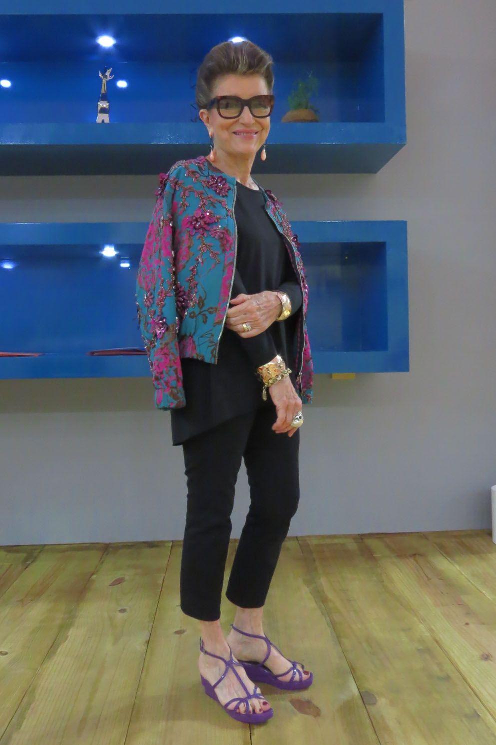 Brilho de dia, pode? Direto da semana de moda, Costanza Pascolato indica o melhor jeito de usar | Chic - Gloria Kalil: Moda, Beleza, Cultura e Comportamento