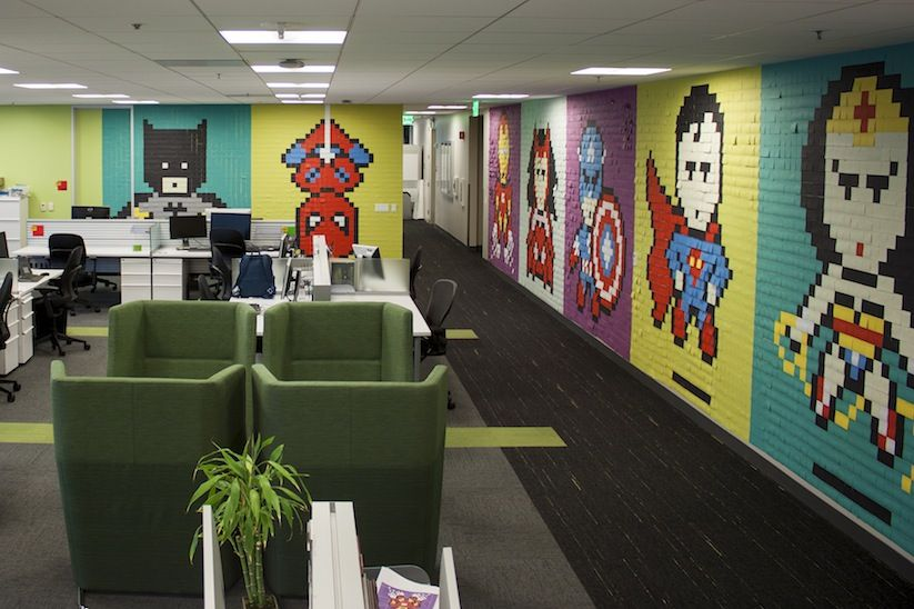 Superhero_Post_It_Mural_made_of_8000_Sticky_Notes_in_an_San_Francisco_based_Office_2015_09