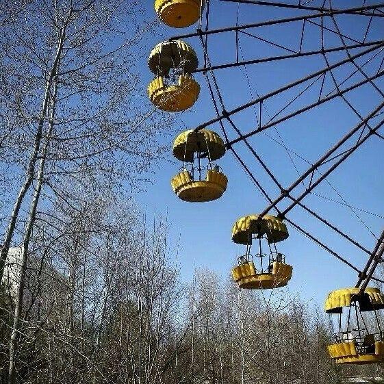#Ferris_Wheel In An Abandoned Amusement Park At Pripyat