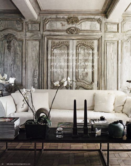 Decorating Paris Apartment Style.........A Grand Mix Of Classical And  Contemporary.