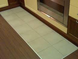 Risultati immagini per parquet in cucina con tappeto di piastrelle