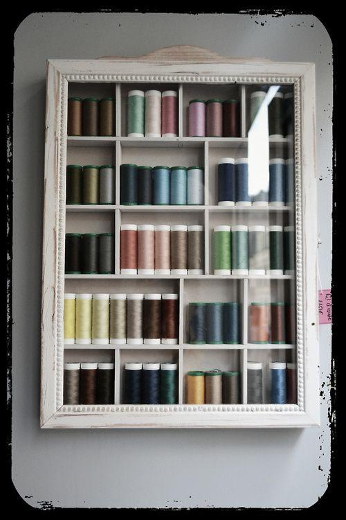 rangement fil coudre pour atelier couture couture pinterest coudre fil et rangement. Black Bedroom Furniture Sets. Home Design Ideas