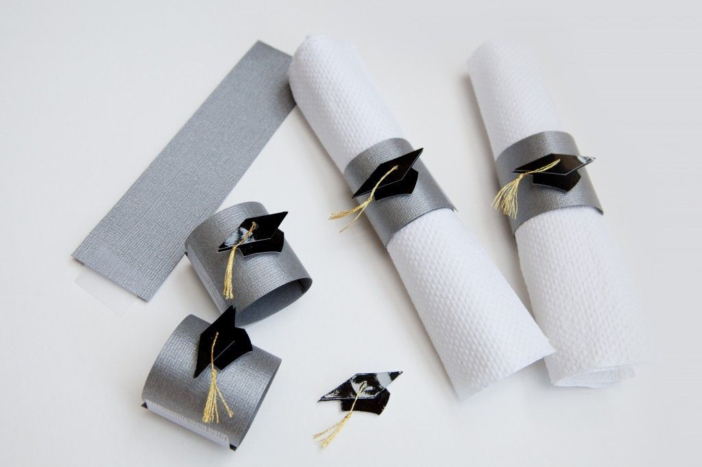 #DIY #graduation napkin rings