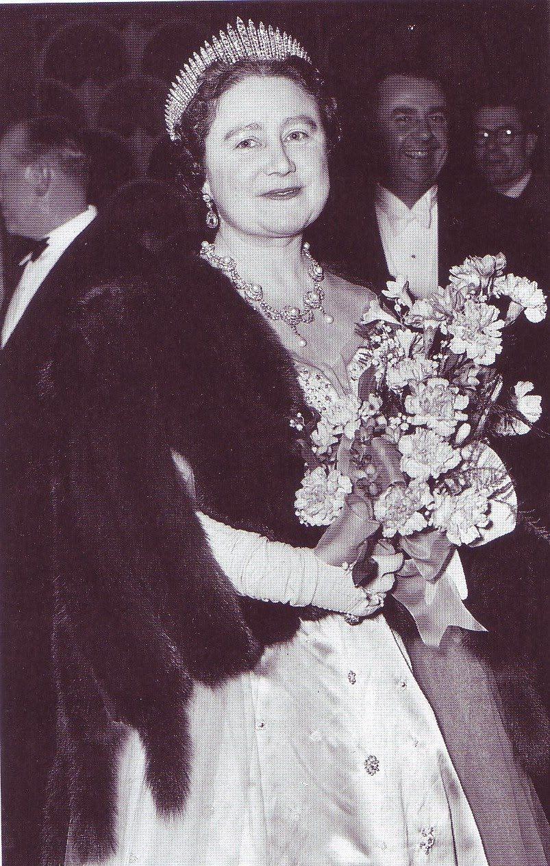 Gracie Jewellery Royal Wedding Countdown Tiara S Lady Elizabeth Queen Elizabeth Queen Mother