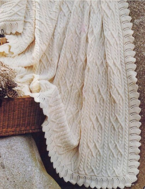 another lovely blanket with cables | Mantitas bebé | Pinterest ...