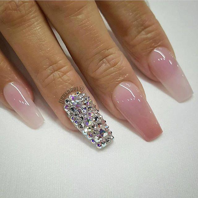 100 idées de design nail art magnifiques ongles de mariage avec des clous de mariée paillettes