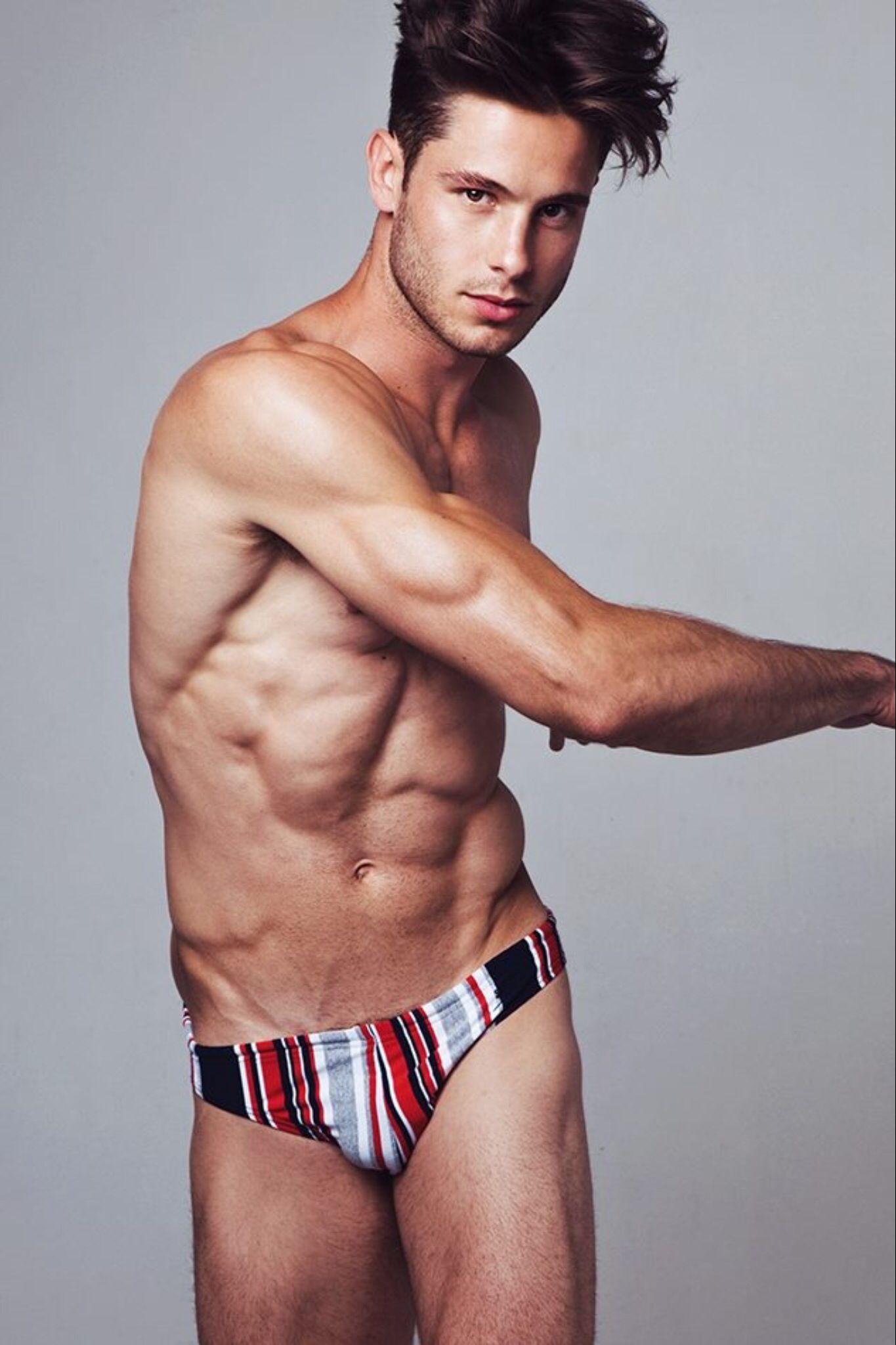 35a1ea7ee5b69 Ethan Turnbull Traje De Baño Hombre, Trajes, Espectaculares, Hombres Sin  Camisa, Ropa