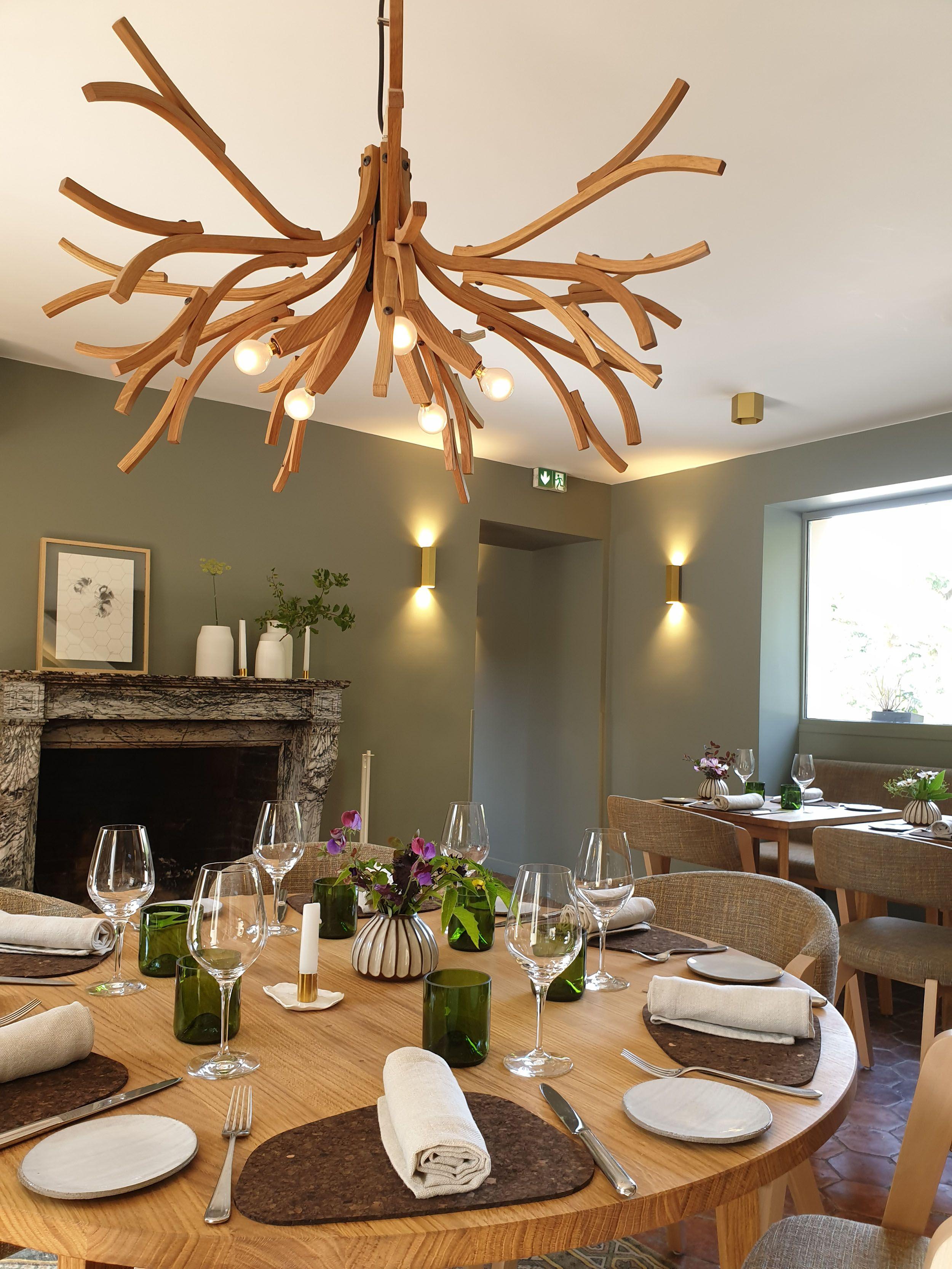 Ruche Table D Hote Et Restaurant Gastronomique Bio A Gambais 78 Table Decorations Restaurant Dining Room
