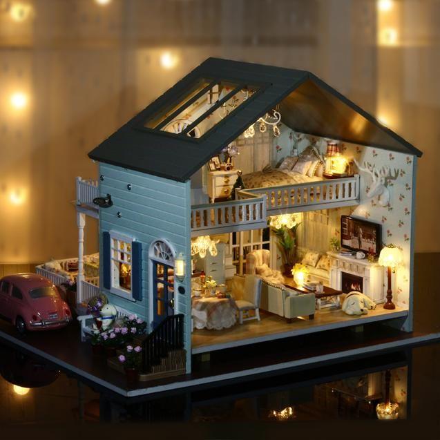 Dollhouse Queens Town Miniature Model w// Light Music Gift Doll House DIY Kit