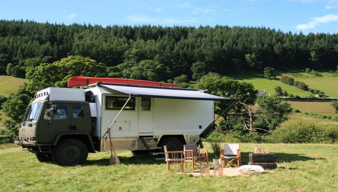 Explícito cabina Gama de  Leyland Daf 4x4 Motorhome as featured in George Clark's Amazing Spaces |  Amazing spaces, Expedition truck, Camper conversion