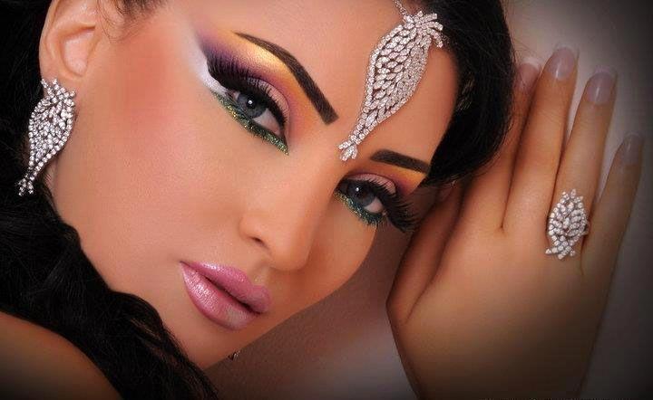 Extravagant Prom Makeup