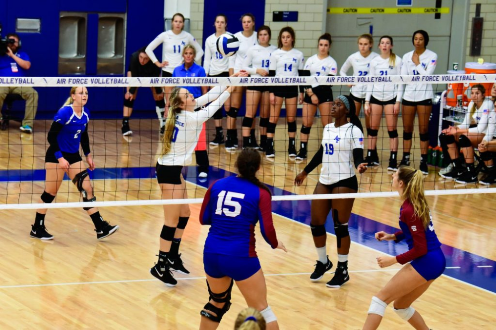 7 Volleyball Communication Drills For Practice Athleticlift Volleyball Volleyball Articles Communication